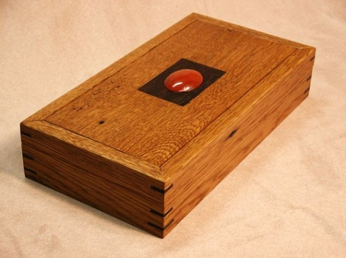 Bronwin Sgian Dubh Box